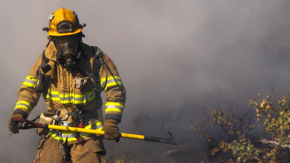 a comparison of the differences between structural firefighters and wildland firefighters